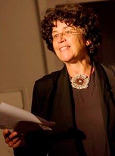 Marie-Cécile du Manoir est scénariste et metteur en scène de la Compagnie du Rêve